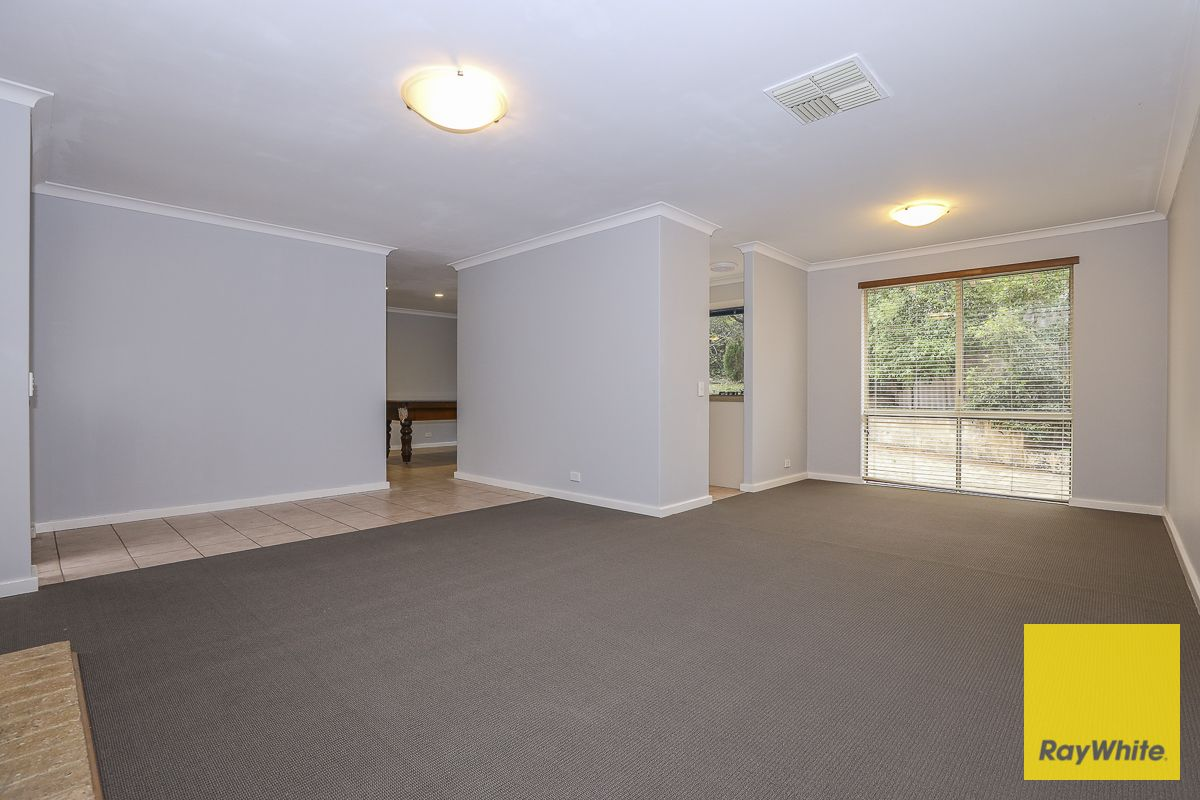25 Carberry Square, Clarkson WA 6030, Image 2