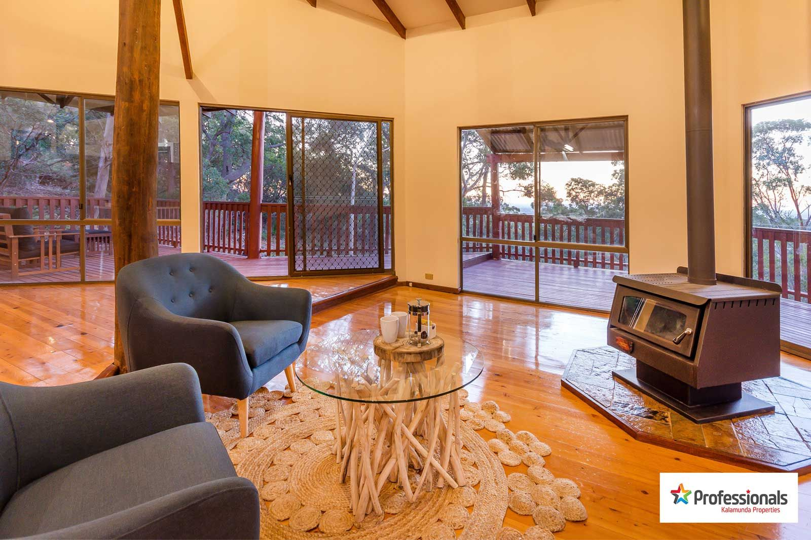 82 Connor Road, Lesmurdie WA 6076, Image 2