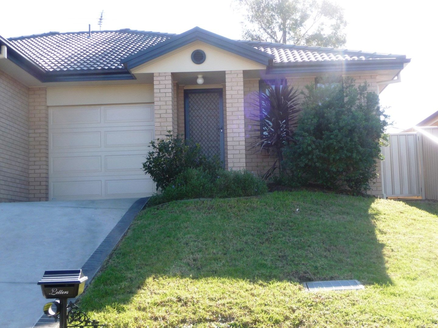 2/87 Clayton Crescent, Rutherford NSW 2320, Image 0