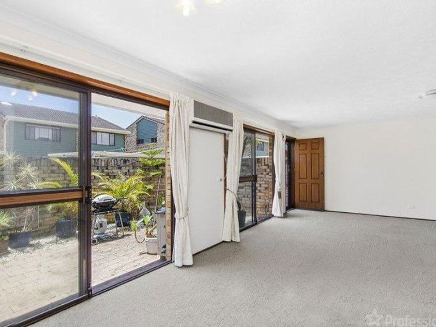 1/26 Dunlin Drive, Burleigh Waters QLD 4220, Image 2
