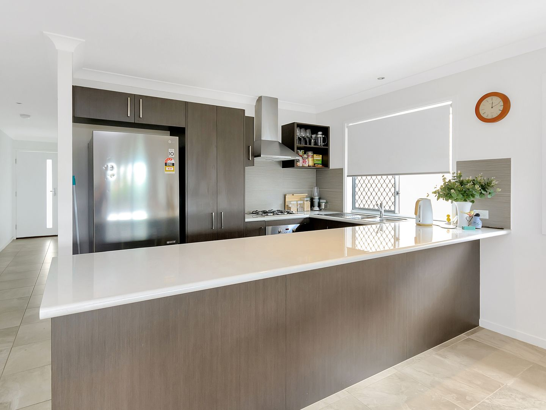 11 Bowerbird Street, Deebing Heights QLD 4306, Image 2