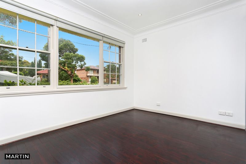 18 Glenwall Street, Kingsgrove NSW 2208, Image 1