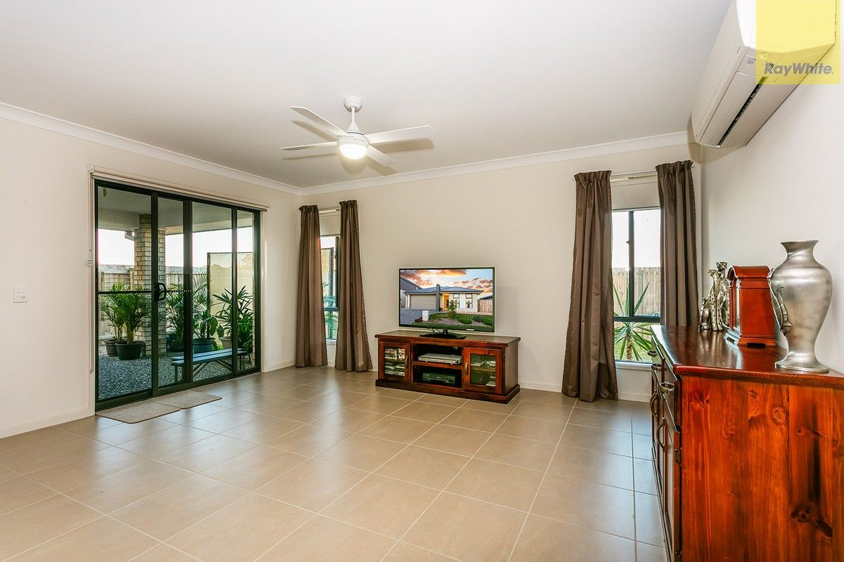 27 Mount Archer Road, Park Ridge QLD 4125, Image 1