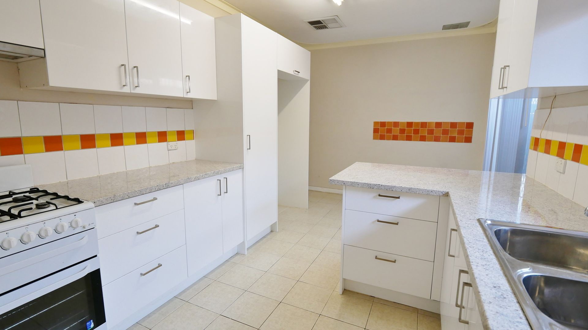 116A Fremantle Rd, Gosnells WA 6110, Image 2