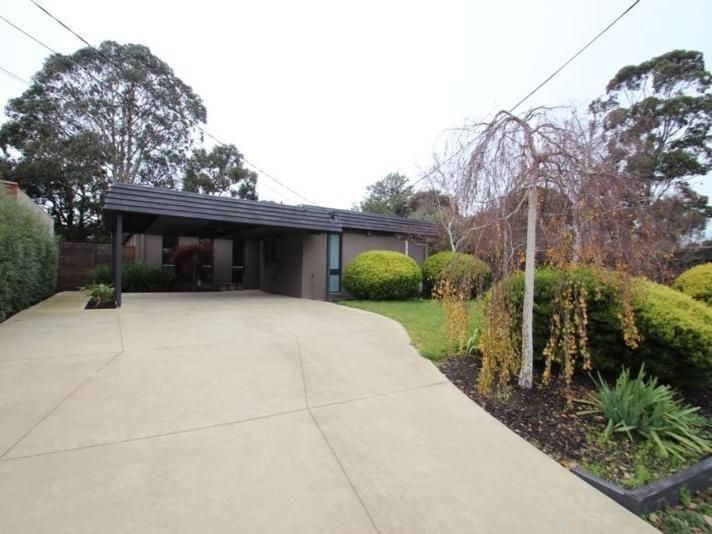 11 Darriwell Court, Wheelers Hill VIC 3150, Image 1