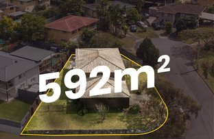 Picture of 52 Morialta Street, Mansfield QLD 4122