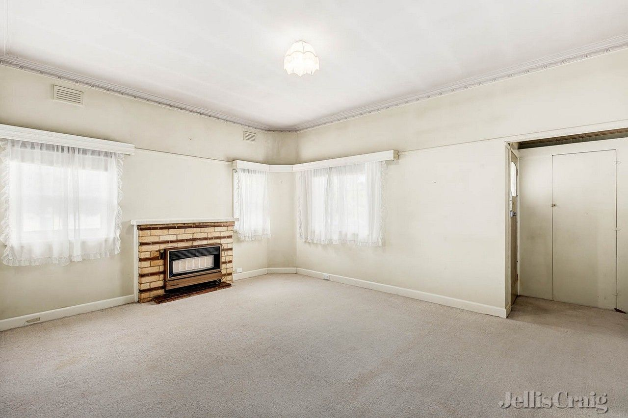 27 The Strand, Moonee Ponds VIC 3039, Image 2