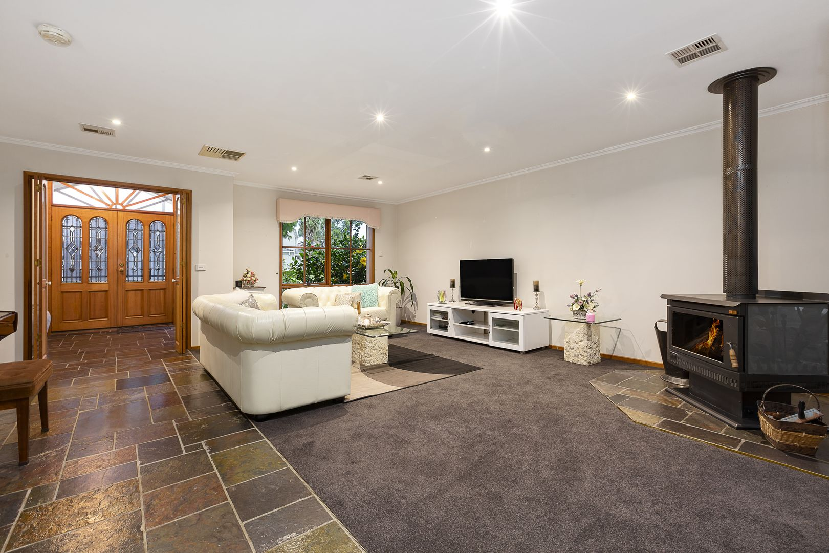 63 Prince Of Wales Avenue, Mill Park VIC 3082, Image 1