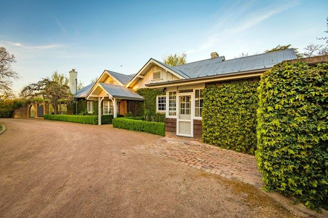 Picture of 16 Walgrove Road, YASS NSW 2582