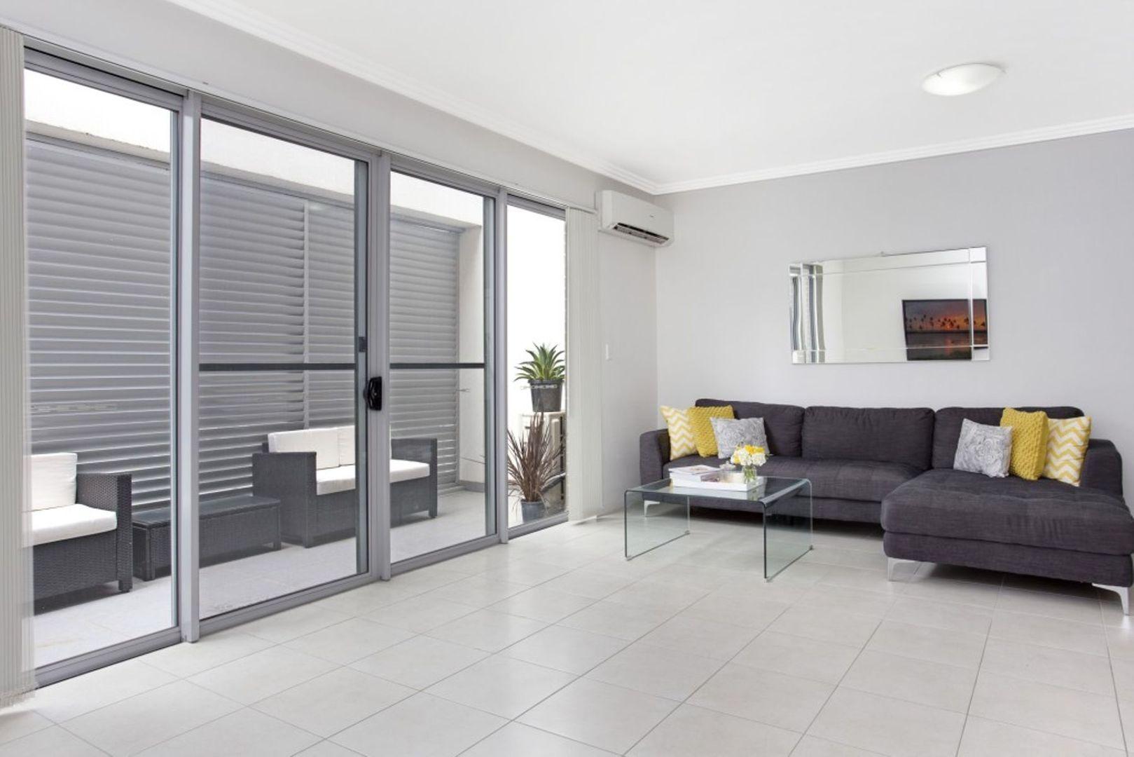 14/2 Mountford Avenue, Guildford NSW 2161, Image 2