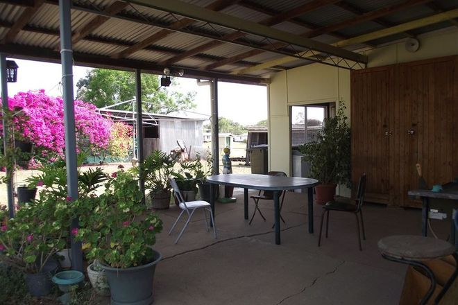 Picture of 10 North Street                                                  PRICE NEGOTIABLE, TAROOM QLD 4420