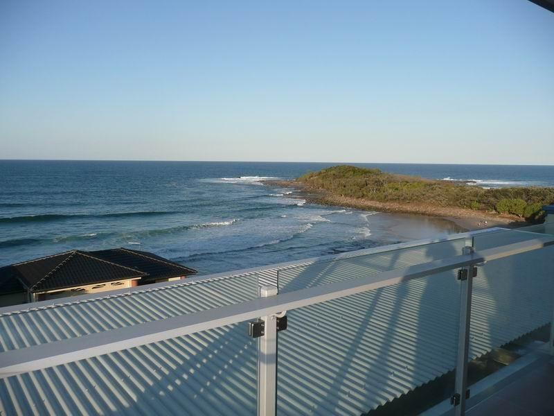 White Sails 4 4/5 Ocean Street, Yamba NSW 2464, Image 1