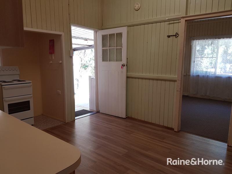 15 Burrowes Street, Surat QLD 4417, Image 2