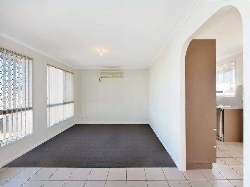 4 Curlew Crescent, Tamworth NSW 2340, Image 2