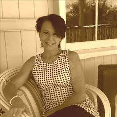 Kate Roeth, Sales representative