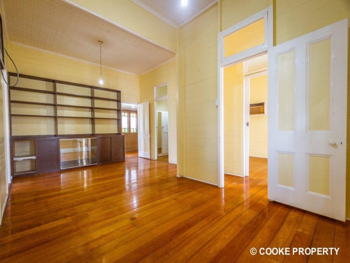 1 Cousins Street, The Range QLD 4700, Image 2