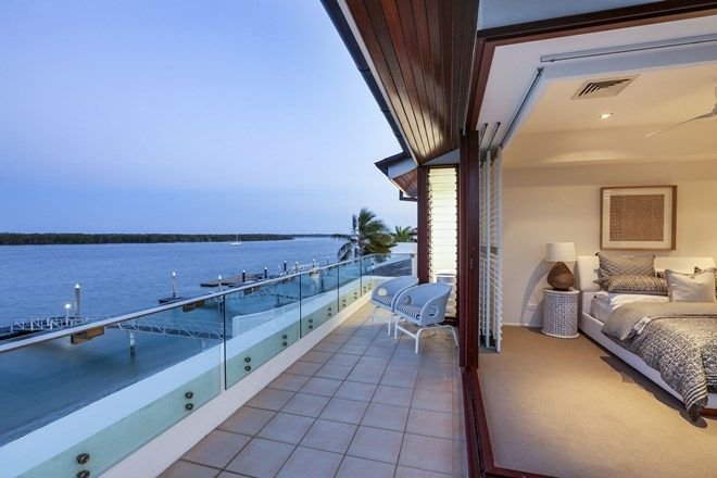 Picture of 5/8 Poinsettia Avenue, RUNAWAY BAY QLD 4216