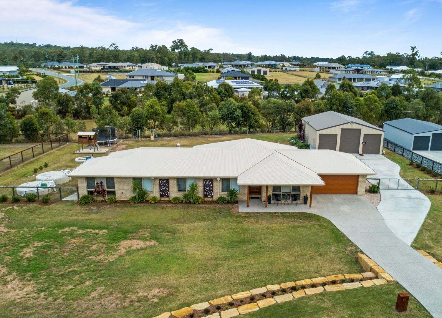 6-8 Momalong Court, Buccan QLD 4207, Image 0