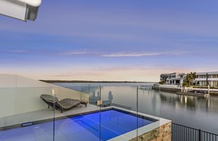 61 Knightsbridge Parade East, Sovereign Islands QLD 4216