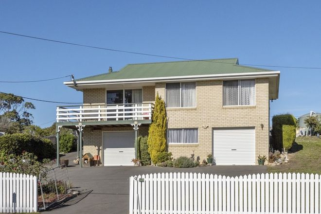 Picture of 9 Carlton River  Road, DODGES FERRY TAS 7173