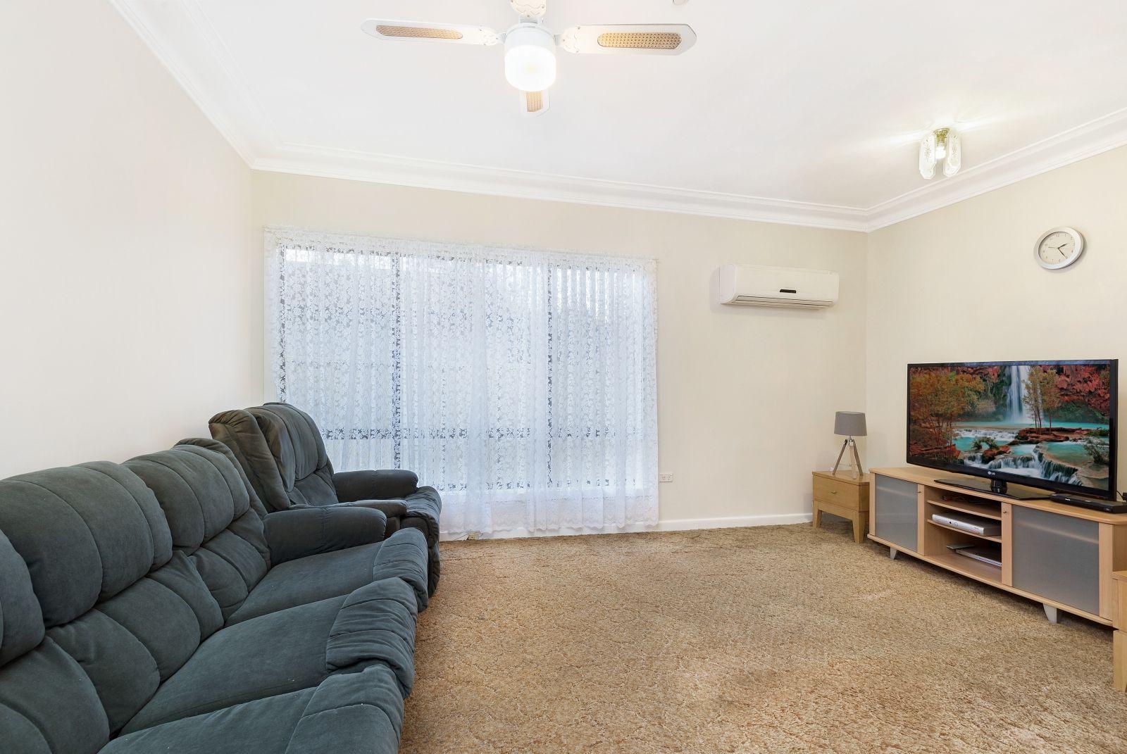 2 McLaren Street, Carramar NSW 2163, Image 2
