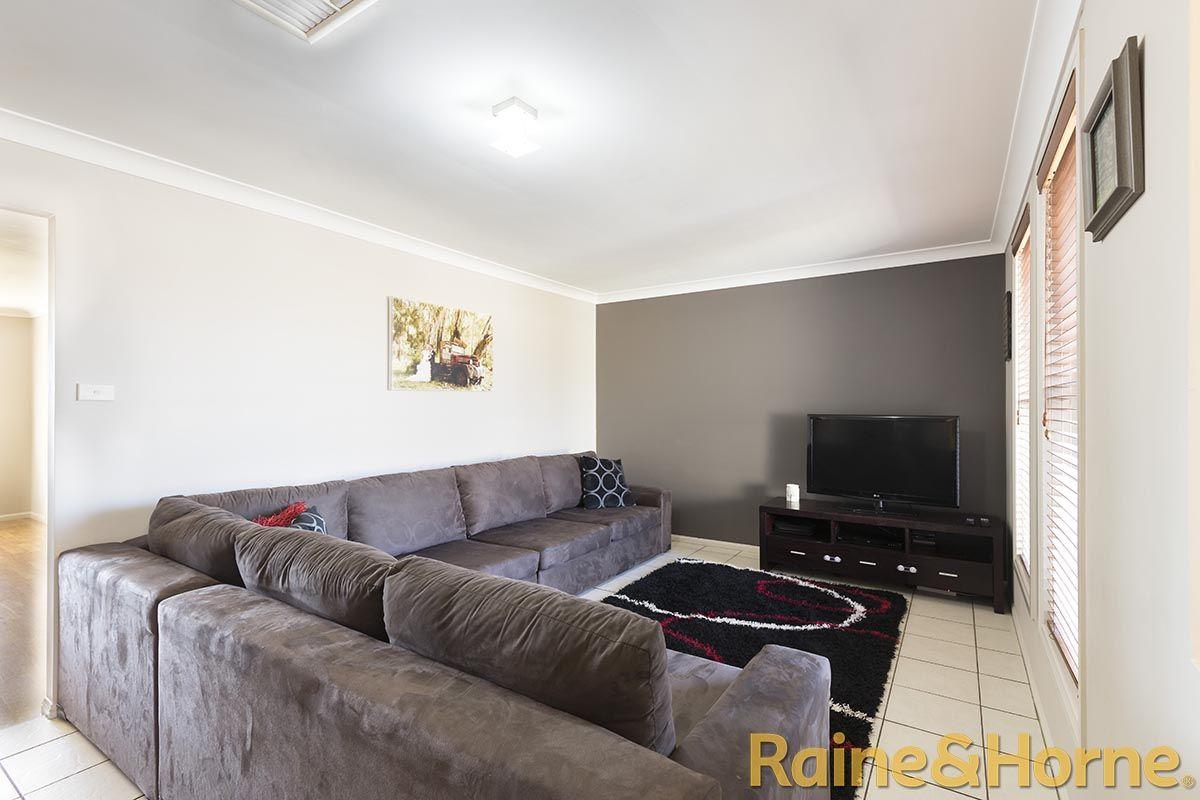 100 Twickenham Drive, Dubbo NSW 2830, Image 1