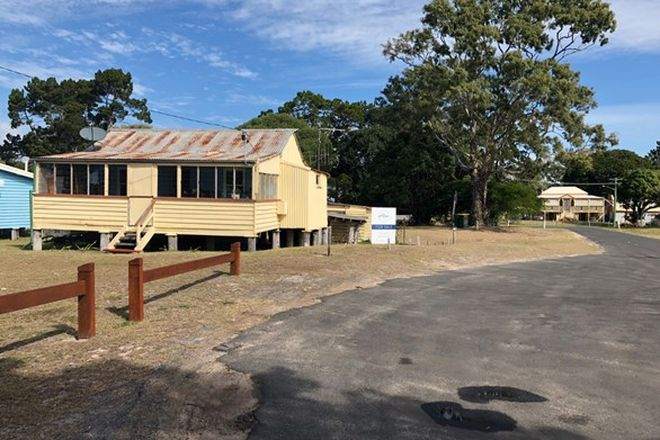 Picture of 4 Moreton Street, TOOGOOM QLD 4655
