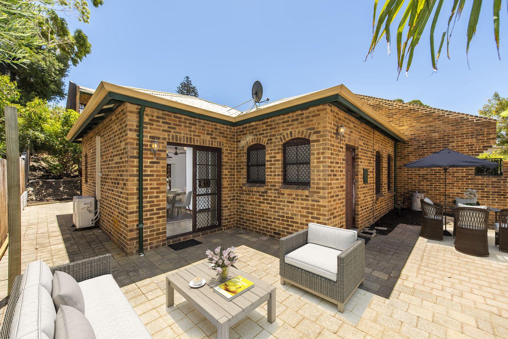 9/14 Corkhill Street, North Fremantle WA 6159, Image 2