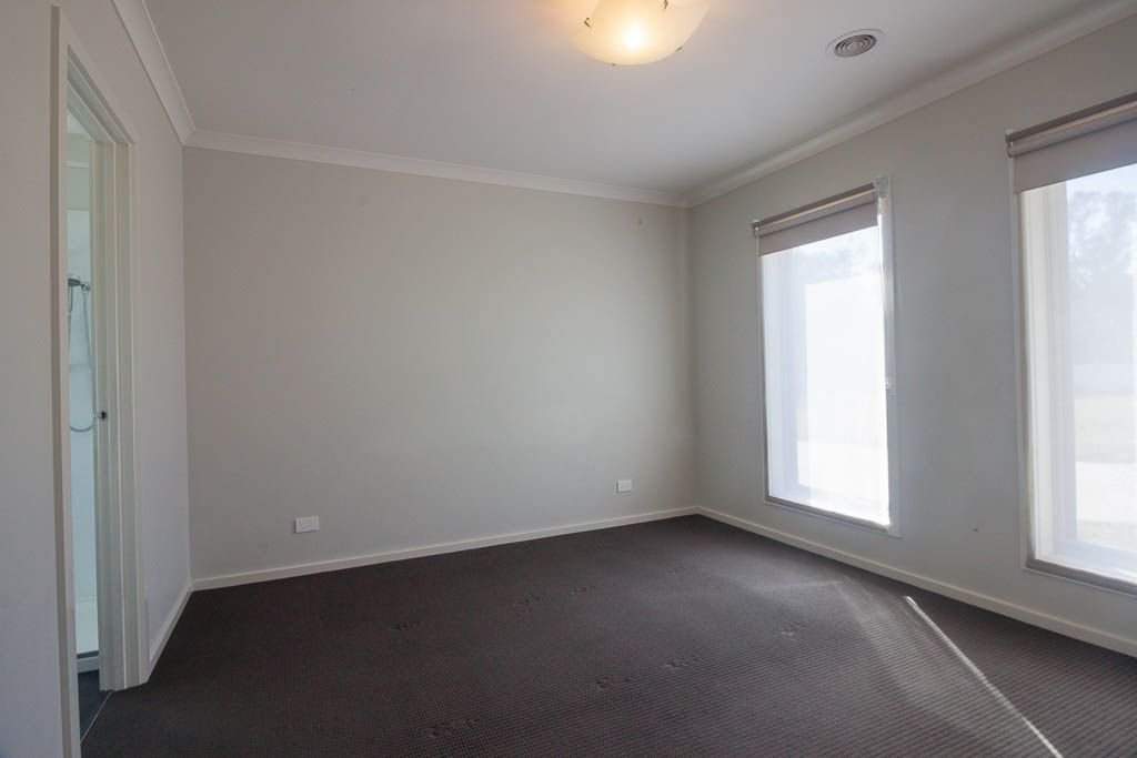 11/103 Pearce Street, Howlong NSW 2643, Image 2