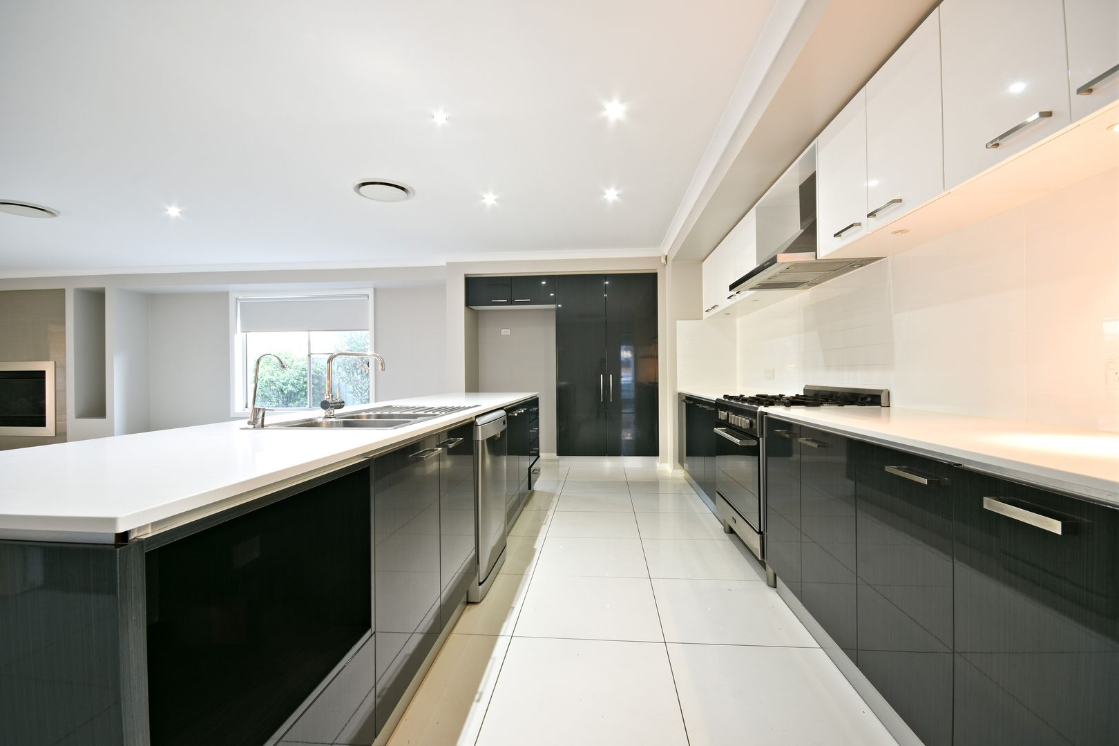 4 Askernish Drive, Dubbo NSW 2830, Image 2