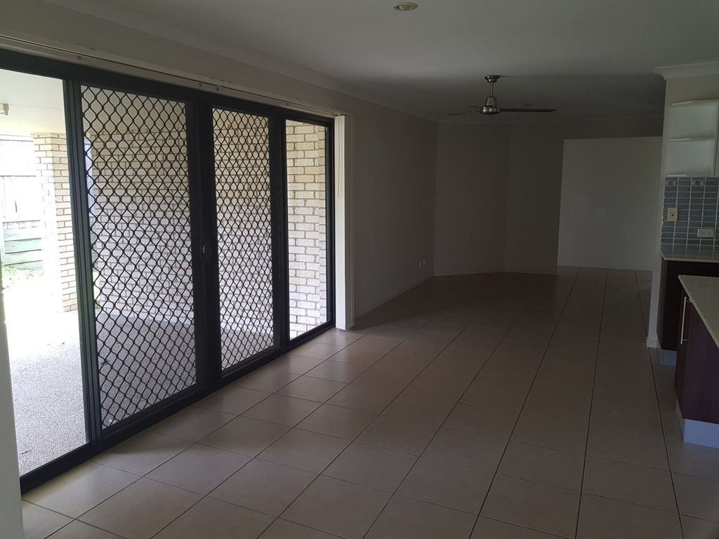 28 Joseph Avenue, Moggill QLD 4070, Image 2