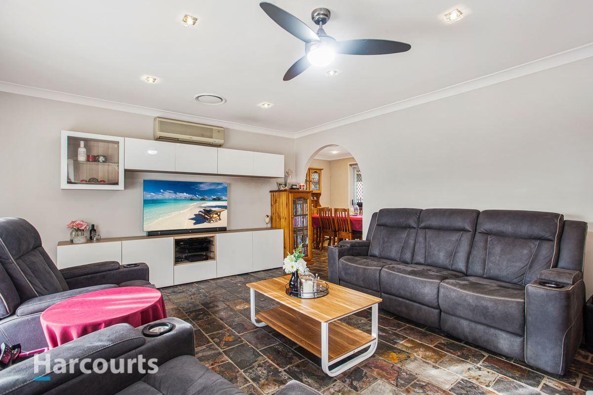 16 Mezen Place, St Clair NSW 2759, Image 2