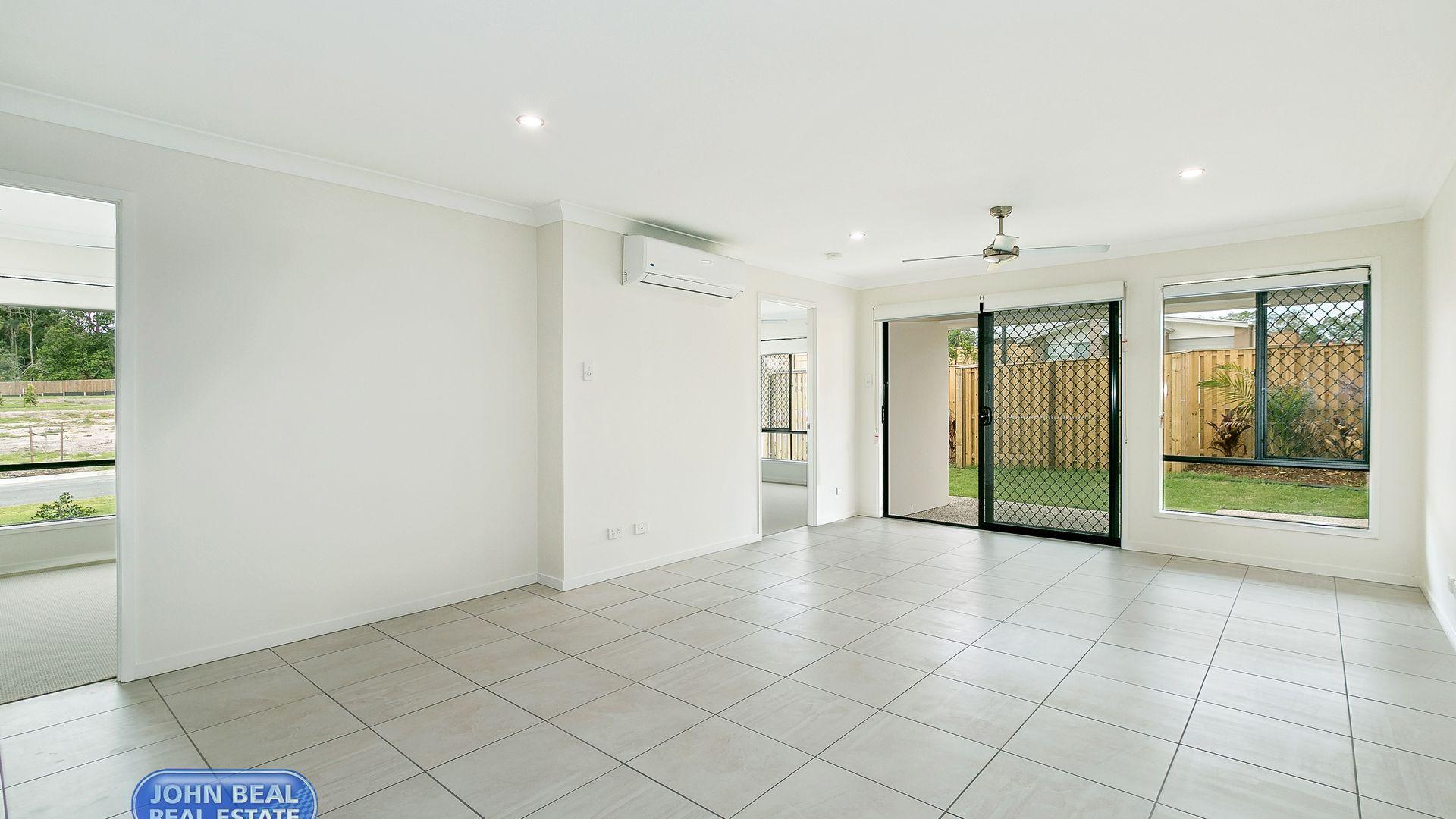 Duplex 2/12 Weyba St, Morayfield QLD 4506, Image 2