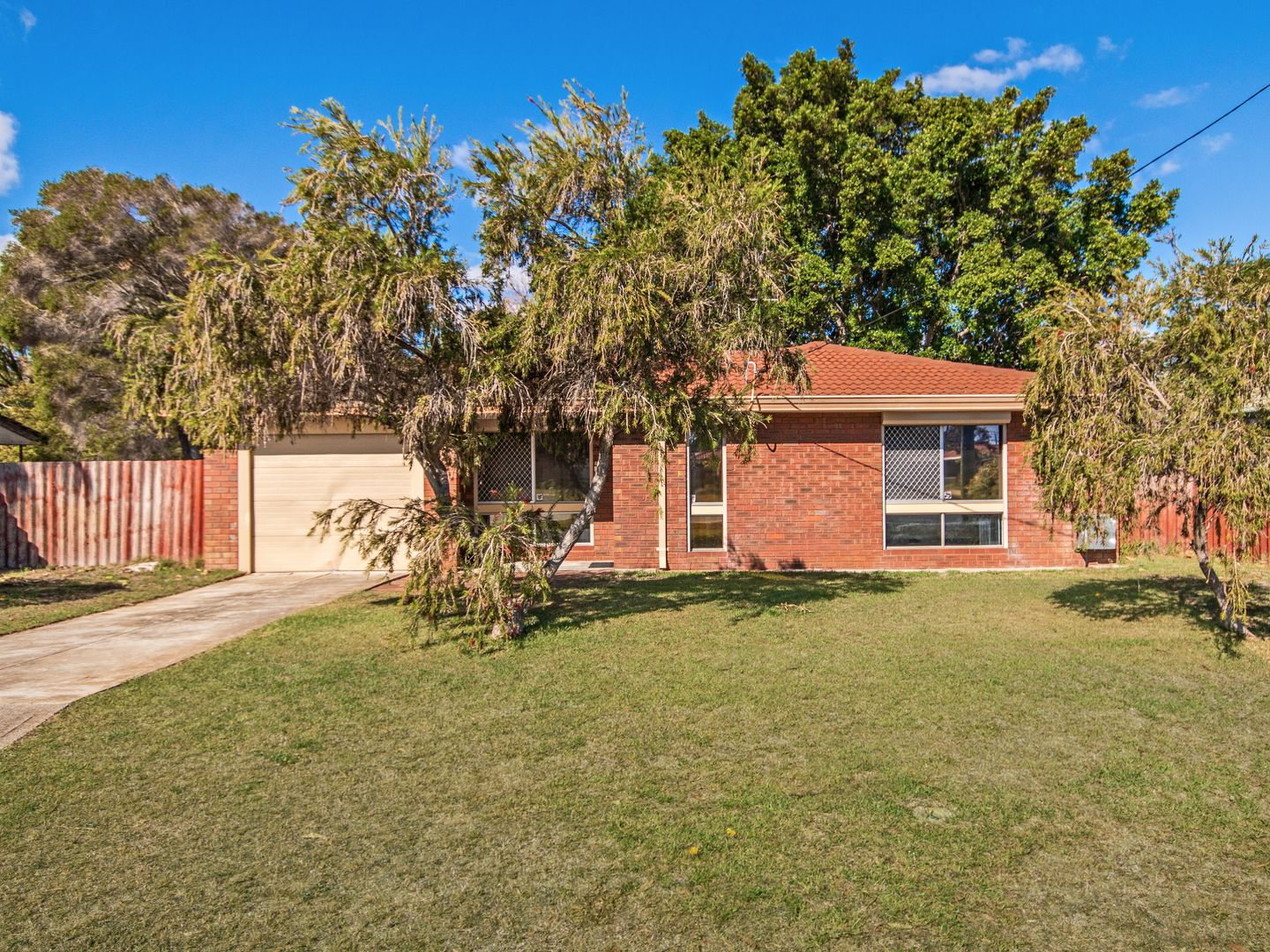20 Willmott Dr, Cooloongup WA 6168, Image 0