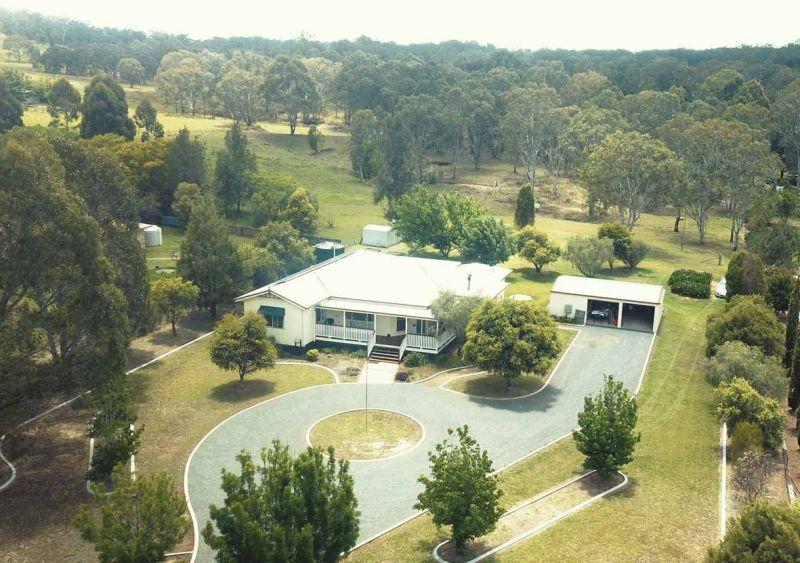 4 Devoncourt Road, Crows Nest QLD 4355, Image 0