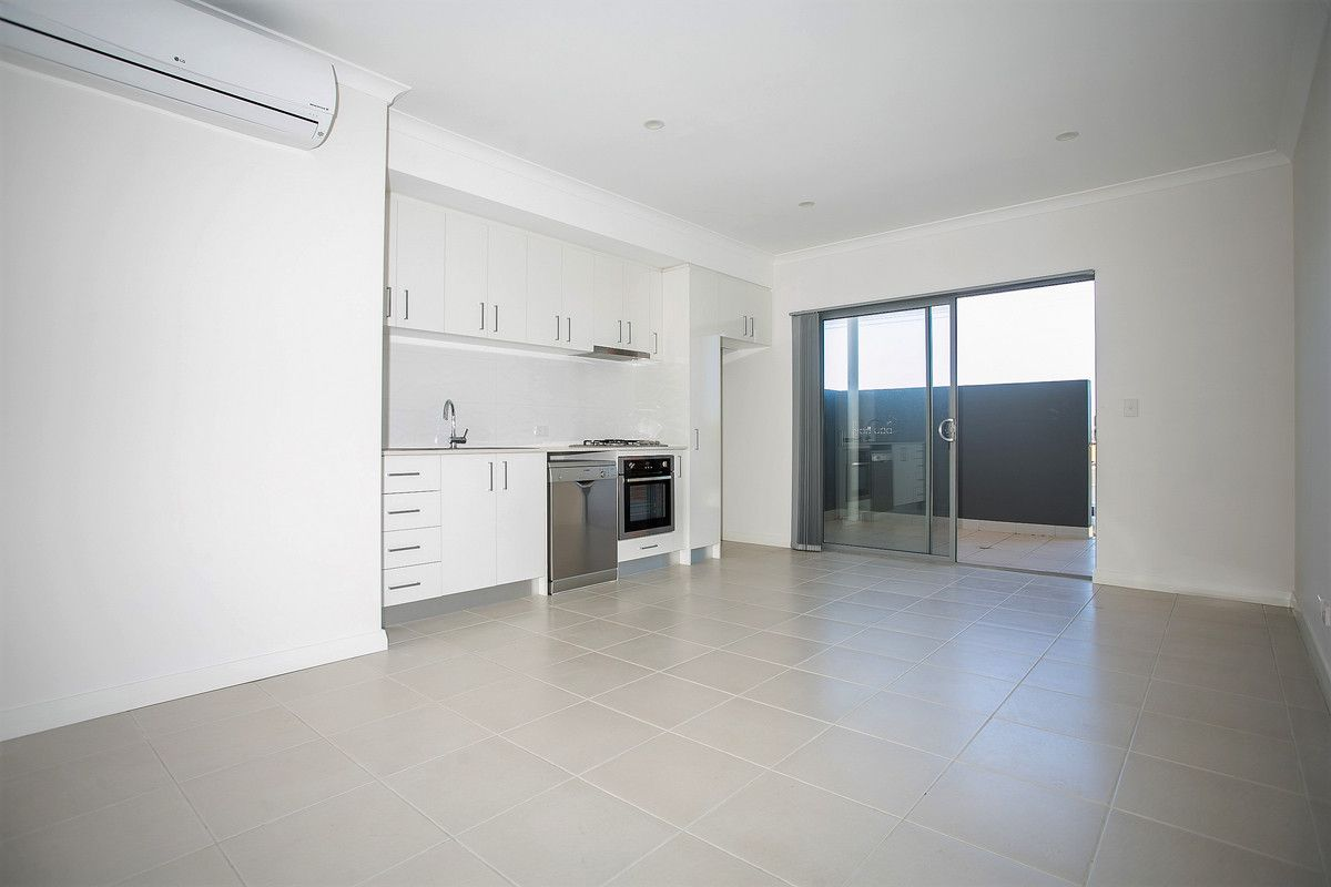 2/404 Flinders Street, Nollamara WA 6061, Image 2