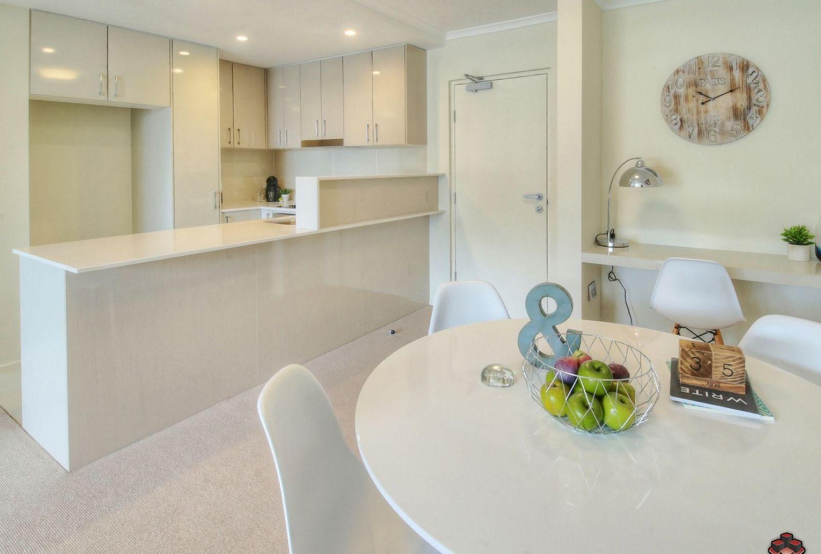 66 Slobodian Avenue, Eight Mile Plains QLD 4113, Image 2
