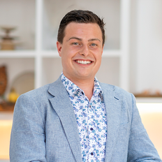 James Date, Sales representative