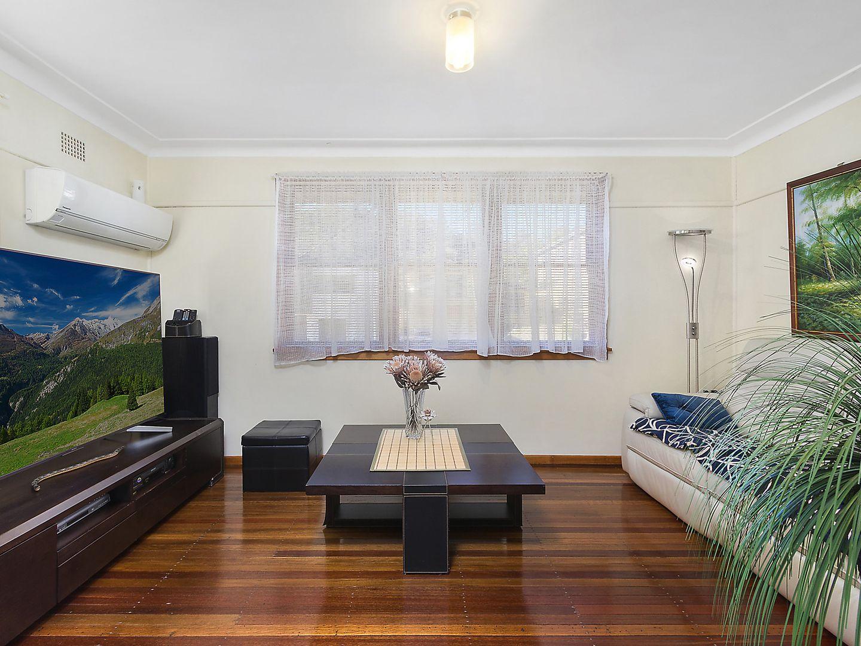 22 Warwick Road, Dundas Valley NSW 2117, Image 2