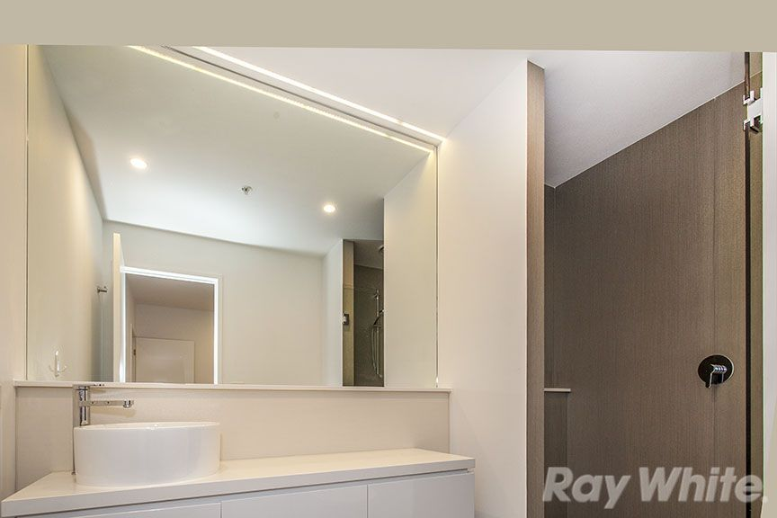 205/5 Sovereign Point Court, Doncaster VIC 3108, Image 1