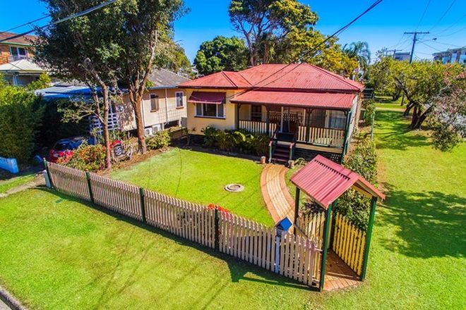 Picture of 5 Humpybong Esplanade, REDCLIFFE QLD 4020