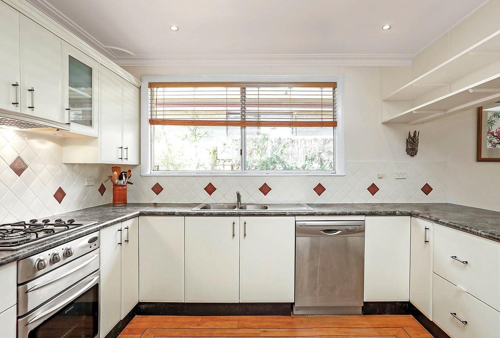 31 Pritchard Street, Wentworth Falls NSW 2782, Image 2