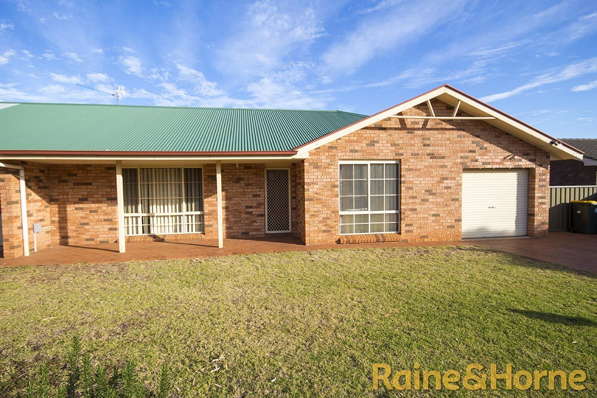 58A Oxley Circle, Dubbo NSW 2830, Image 0