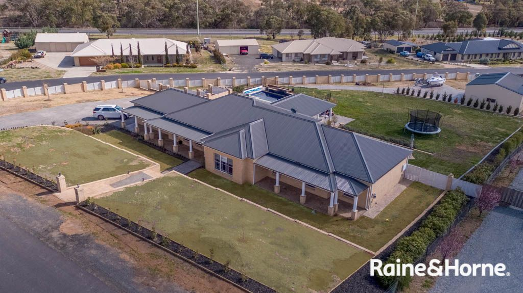 14 Robindale Court, Robin Hill NSW 2795, Image 1