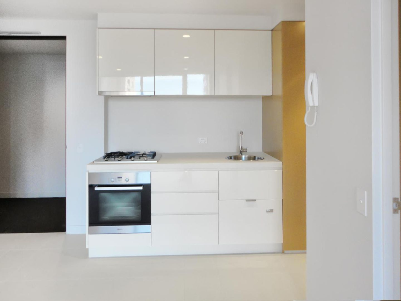 1015/33 Mackenzie Street, Melbourne VIC 3000, Image 2