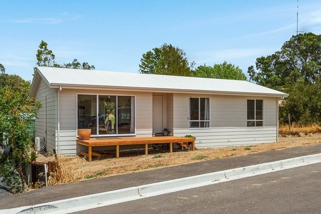Picture of 16 Macdonnell Tce, SPRINGTON SA 5235