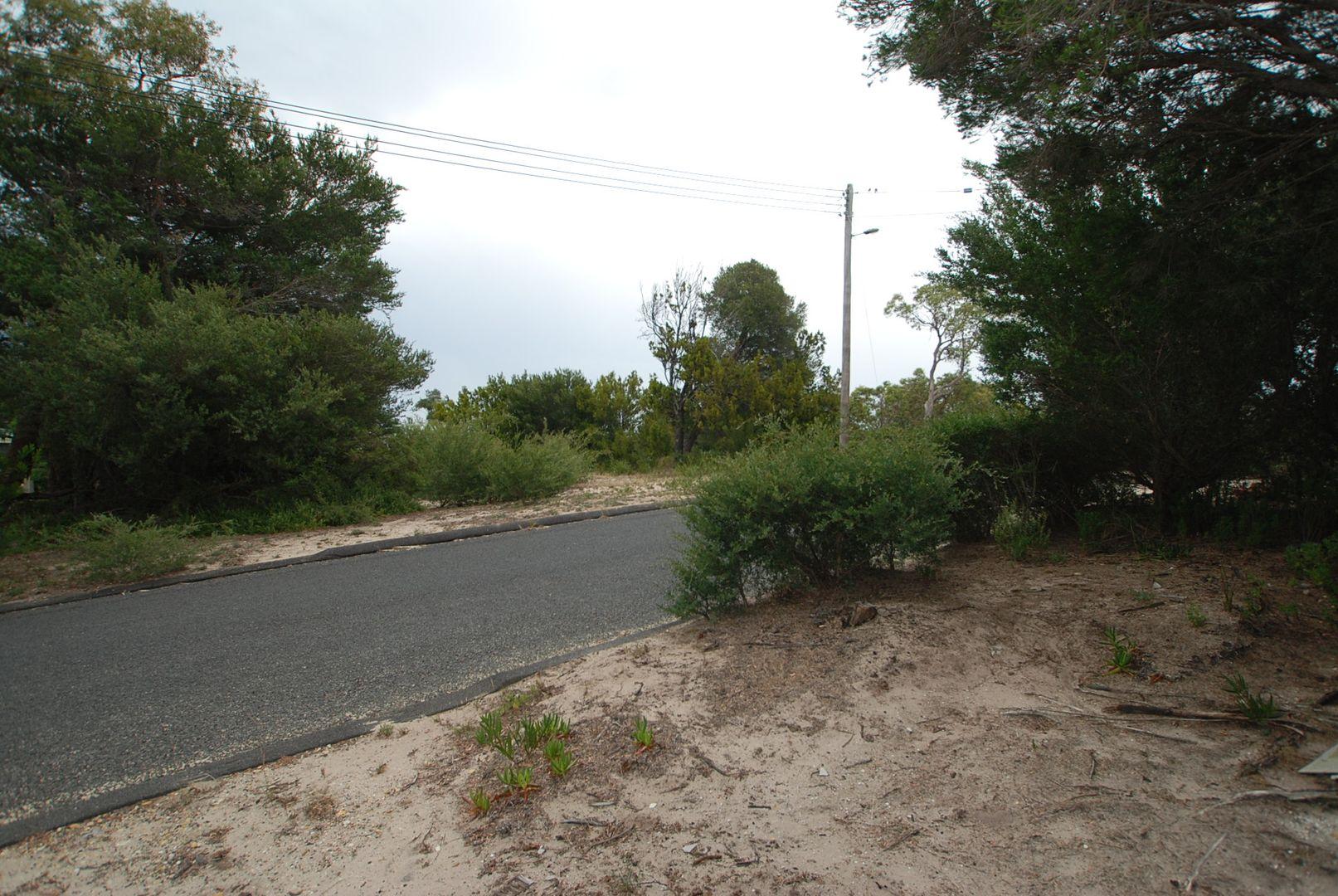 16 Bluff Drive, Loch Sport VIC 3851, Image 2