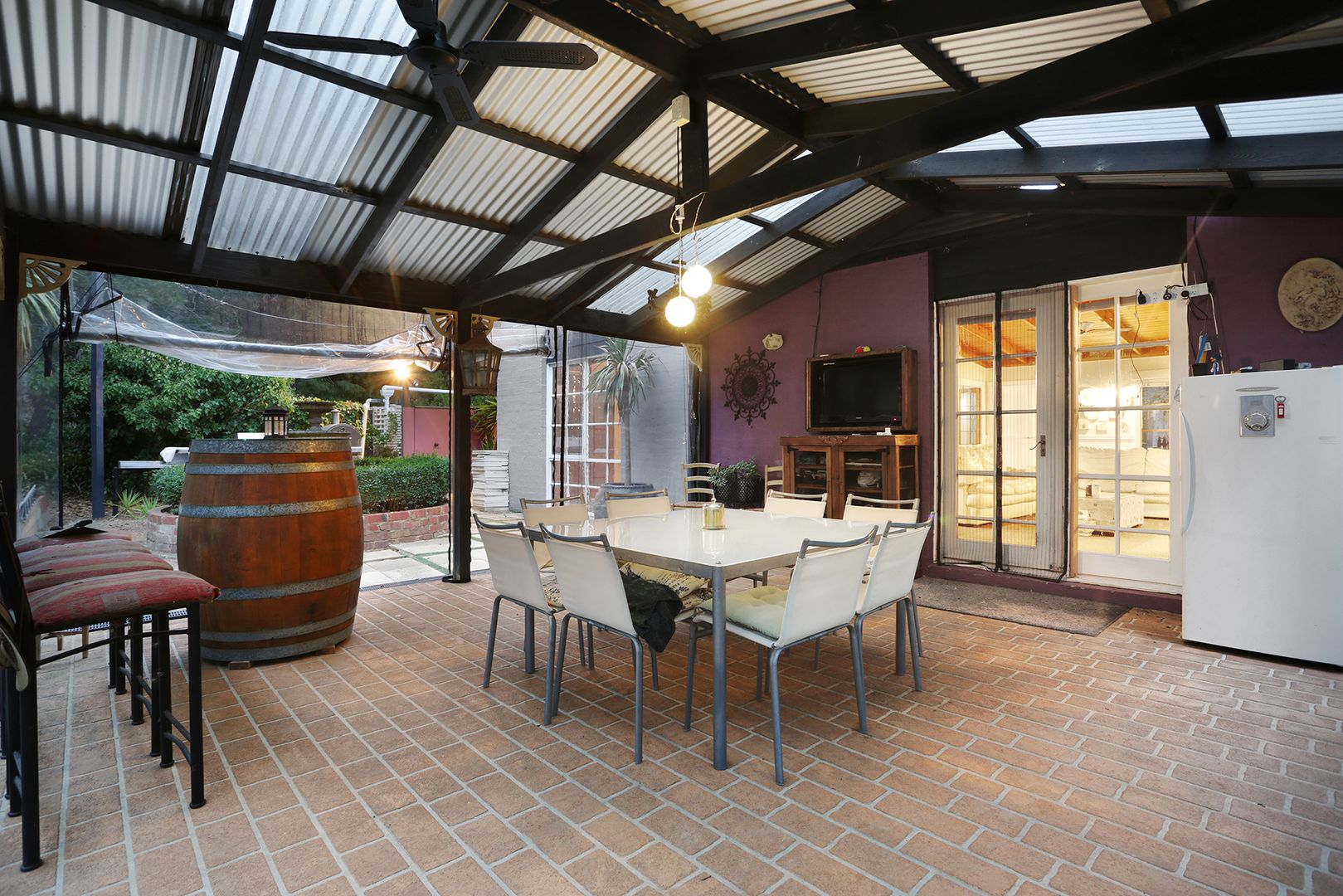 208 Ashbourne Rd, Woodend VIC 3442, Image 2