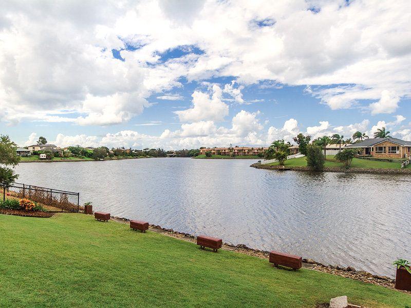 27 Southlake Dr, Varsity Lakes QLD 4227, Image 2