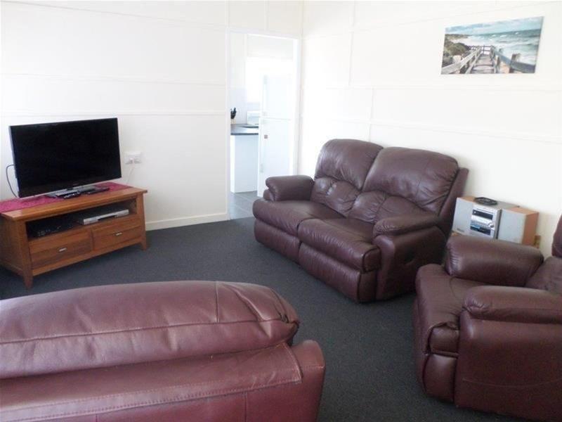14 East Street, Wandoan QLD 4419, Image 1